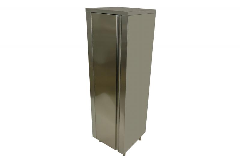 Dulapuri verticale cu uși batante