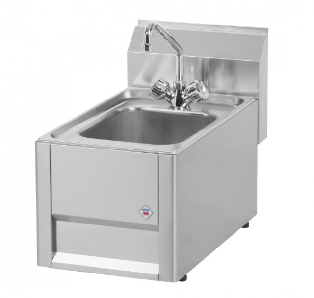 UM 30L - Neutral elemenet with water tap and basin