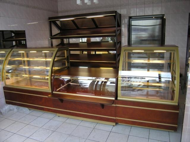 Vitrină frigorifică de cofetărie și patiserie C-1 CL 60/CH CARMELLA