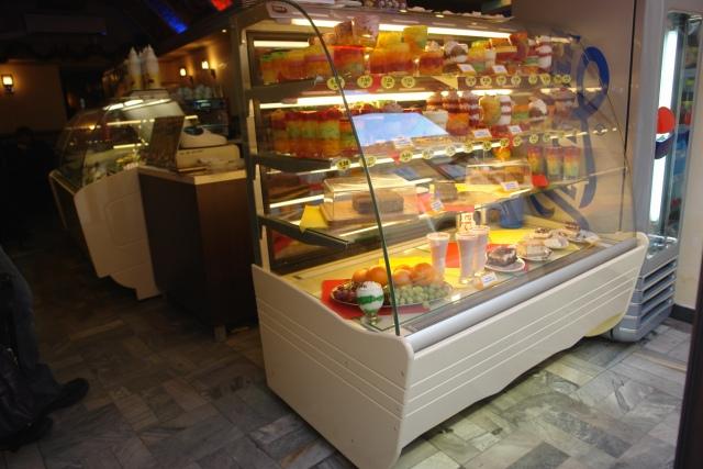 Vitrină frigorifică de cofetărie și patiserie C-1 90 BLCH BELLISSIMA