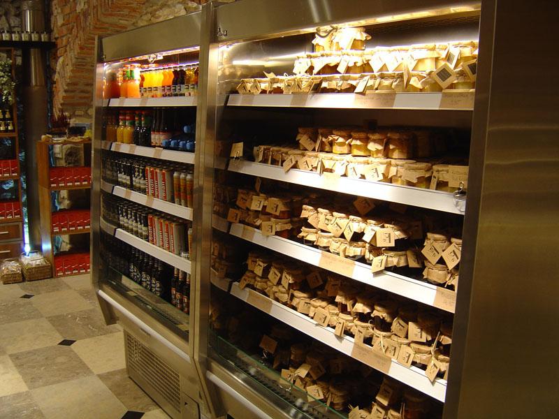 https://tcromania.com/echipamente-frigorifice/rafturi-frigorifice/rafturi-frigorifice-cu-agregat-incorporat/rafturi-frigorifice-cu-agregat-intern/raft-frigorific-r-1-110-65-mini-martini/